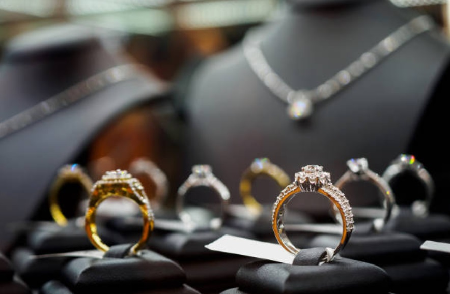 when should you buy an engagement ring